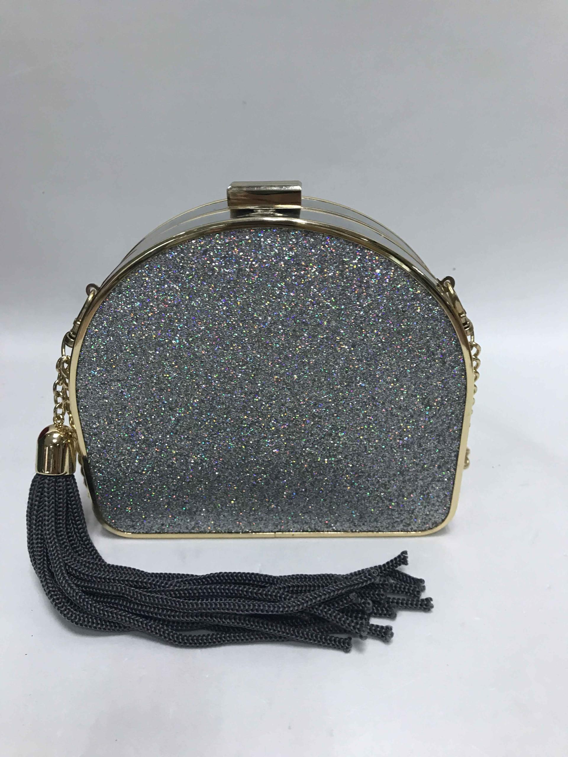 Silver handbag  BE-4776